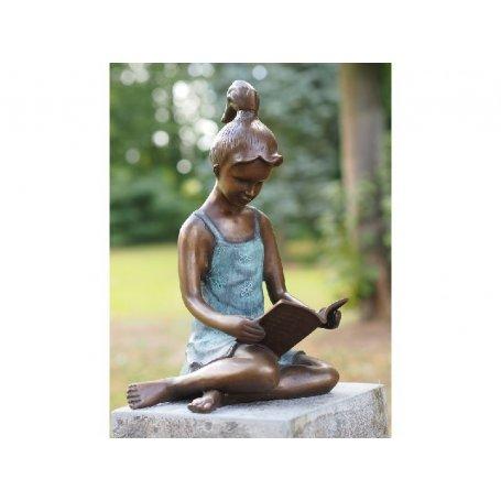 """Pronssinen patsas """"Tyttö ja runot"""""""