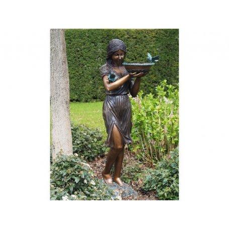 """Pronssinen patsas """"Tyttö ja malja"""""""