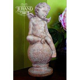 Figuuri patsas Pikku enkeli pallolla