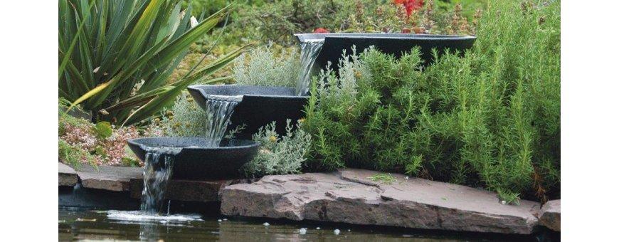 Allaskoristeet ja Patsaat, jotka kierrättävät vettä, tuovat myös näyttävyyden lisäksi arvokasta lisähapetusta altaan vedelle ja pitävät sen kirkkaampana.