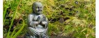 Laadukas buddha patsas puutarhaan ja puistoon. Edesauta onneasi Buddhan ja veden voimin! Buddha-veistoksen pystyttäminen puutarhaan, kotiin tai toimistoon tuo mukanaan onnea, terveyttä ja hyvän elämän.
